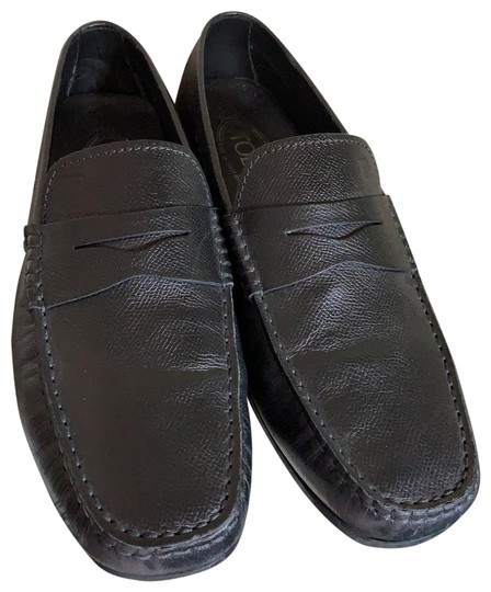 Preload https://img-static.tradesy.com/item/25765255/tod-s-black-leather-driver-flats-size-us-7-wide-c-d-0-1-540-540.jpg