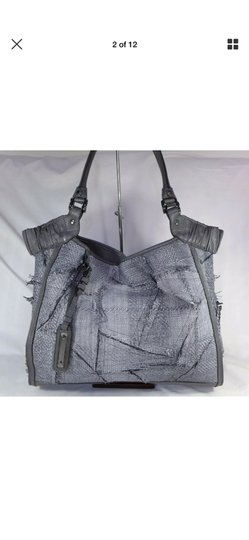 Burberry Tote in gray Image 1