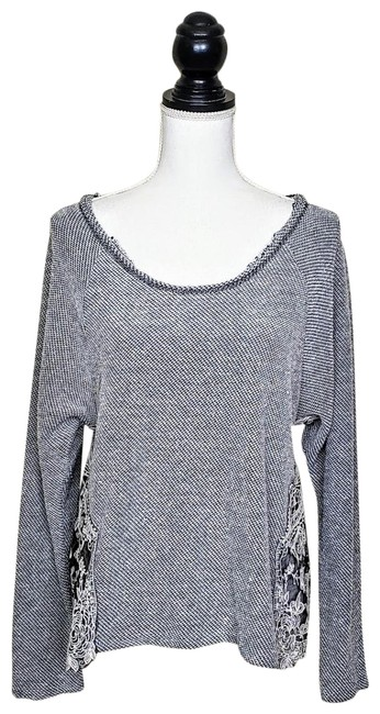 Preload https://img-static.tradesy.com/item/25765537/urban-outfitters-staring-at-stars-gray-white-lace-detail-sweater-0-1-650-650.jpg