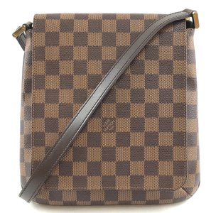 67ba95a5a5 Louis Vuitton Bags on Sale - Up to 70% off at Tradesy