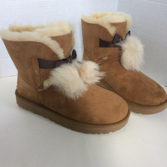 UGG Australia New With Tags Chestnut Boots Image 4