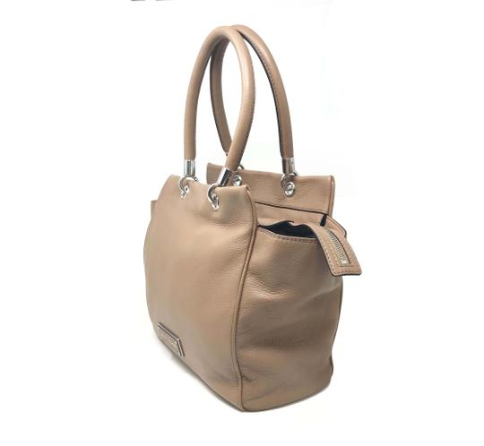 Marc By Marc Jacobs Tote in Beige Image 3