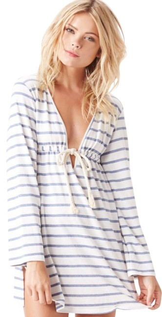 Preload https://img-static.tradesy.com/item/25766879/blue-life-and-white-hooded-rope-cover-up-short-casual-dress-size-0-xs-0-2-650-650.jpg