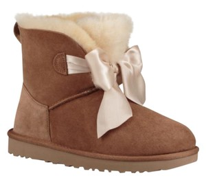 UGG New With Tags New In Box Chestnut Boots