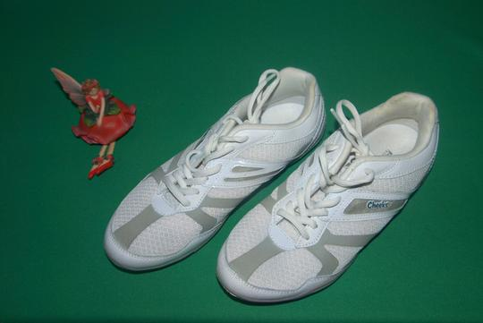Tony Cheeks Barefoot Little Trainers Trainer New Trainers Comfort Trainers Designer Trainers White Athletic Image 1