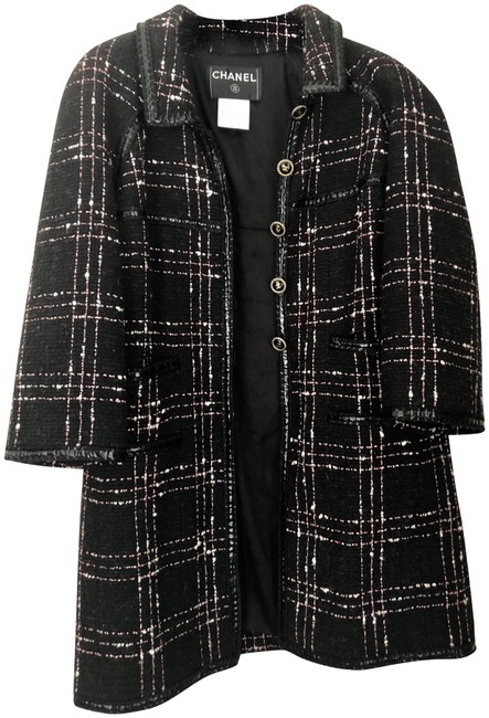 Preload https://img-static.tradesy.com/item/25767243/chanel-tweed-pink-black-white-rare-coat-size-4-s-0-2-650-650.jpg