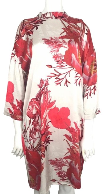 Preload https://img-static.tradesy.com/item/25767375/cream-and-red-floral-shift-short-casual-dress-size-18-xl-plus-0x-0-1-650-650.jpg
