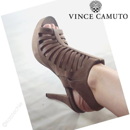 Vince Camuto Leather Cut-out Cutaway Textured Suede Tan Sandals Image 6