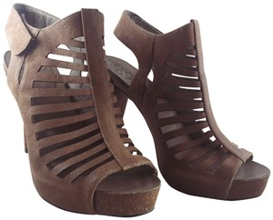 Vince Camuto Leather Cut-out Cutaway Textured Suede Tan Sandals