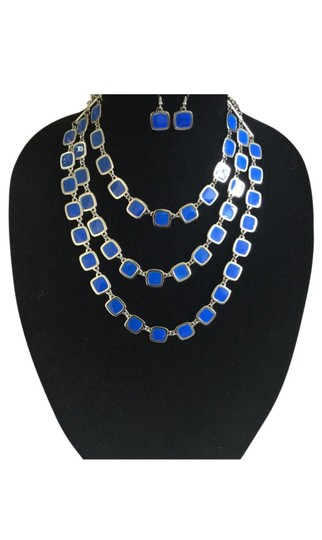 Preload https://img-static.tradesy.com/item/25767562/blue-layered-necklace-0-0-540-540.jpg
