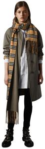 Burberry New Burberry vintage check double Side Cashmere Scarf