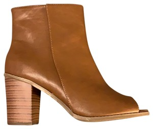 Breckelle's Camel Boots