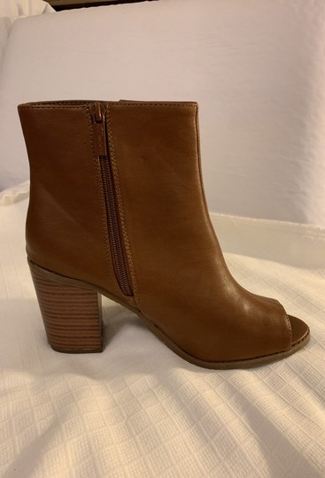 Breckelle's Camel Boots Image 5