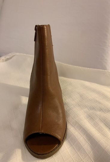 Breckelle's Camel Boots Image 6