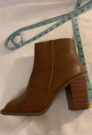 Breckelle's Camel Boots Image 9