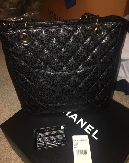 Chanel Tote in black and gold Image 1