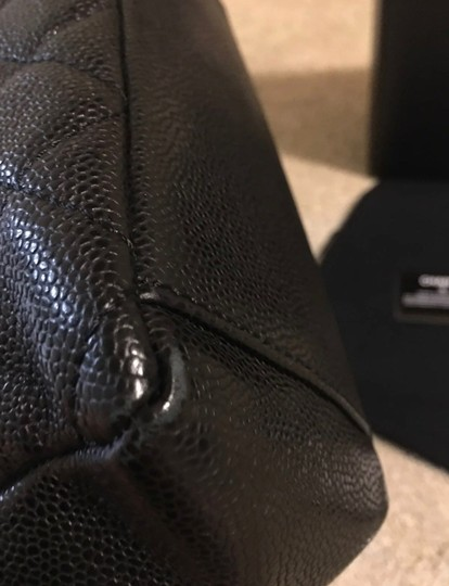 Chanel Tote in black and gold Image 3
