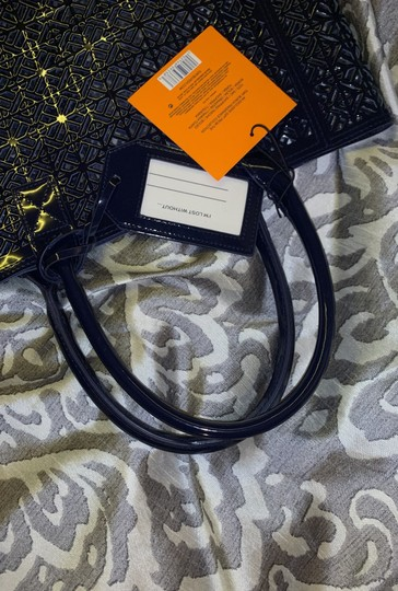 Tory Burch Tote in navy blue Image 8