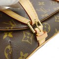 Louis Vuitton Vintage Leather Luxury European Cross Body Bag Image 6