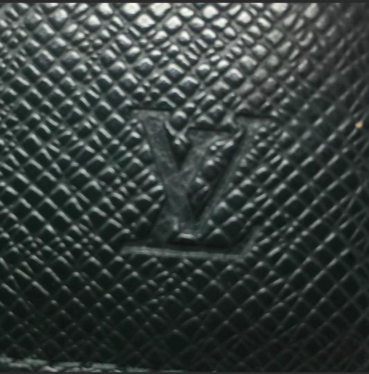 Louis Vuitton Clutch Image 2