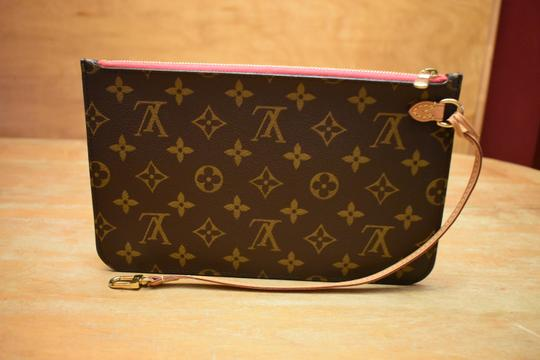 Louis Vuitton Lv Pochette Monogram Mono Shocking Pink Wristlet Image 1