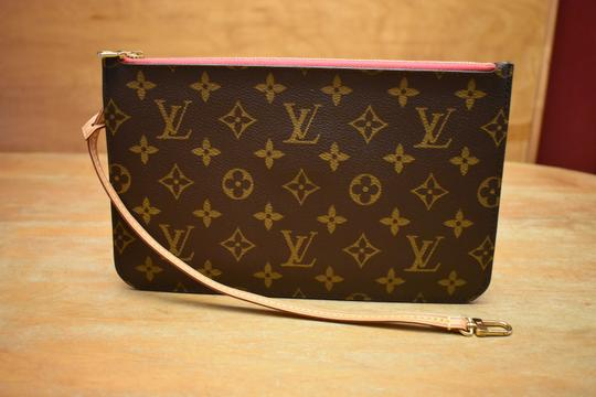 Louis Vuitton Lv Pochette Monogram Mono Shocking Pink Wristlet Image 8