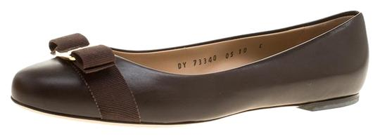 Preload https://img-static.tradesy.com/item/25768164/salvatore-ferragamo-brown-leather-varina-ballet-flats-size-eu-405-approx-us-105-regular-m-b-0-1-540-540.jpg