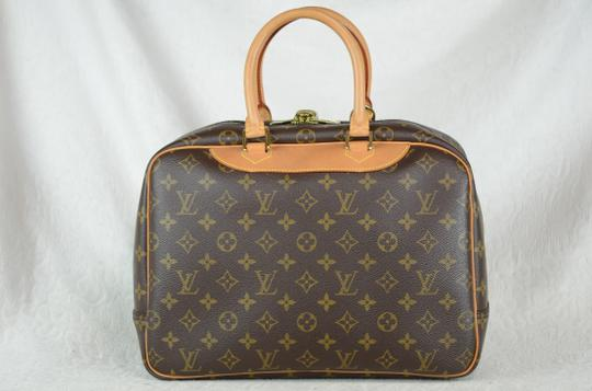 Louis Vuitton Deauville Monogram Tote in Brown Image 9
