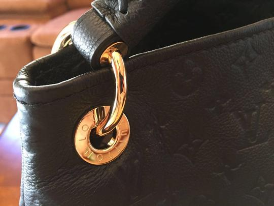 Louis Vuitton Tote in BLACK Image 3
