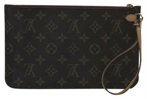 Louis Vuitton Lv Neverfull Neverfull Mm Monogram Pouch Wristlet in Brown