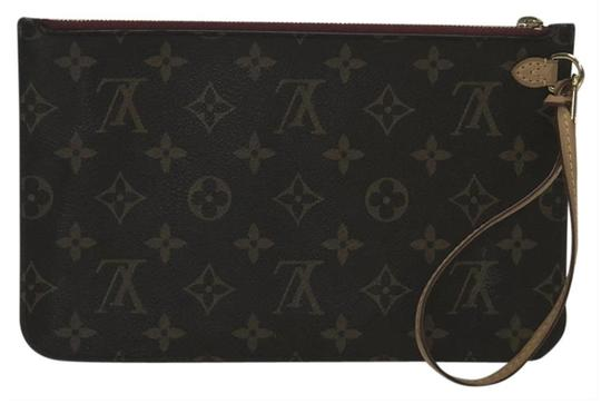 Louis Vuitton Lv Neverfull Neverfull Mm Monogram Pouch Wristlet in Brown Image 0