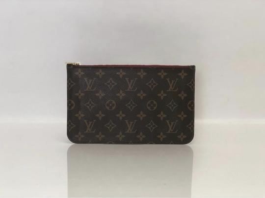 Louis Vuitton Lv Neverfull Neverfull Mm Monogram Pouch Wristlet in Brown Image 2