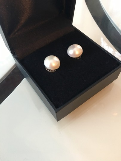 Other Pearl stud earrings Image 2