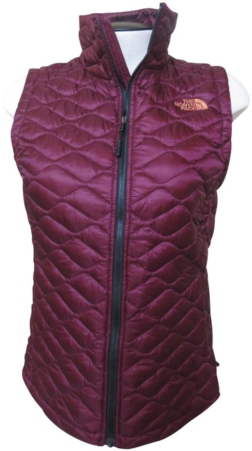 Item - Magenta Quilted Thermoball Thin Quilted Vest Size 4 (S)