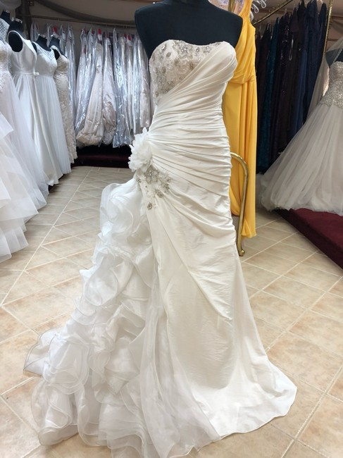 Item - Ivory Taffeta Fit and Flare Gown Destination Wedding Dress Size 6 (S)