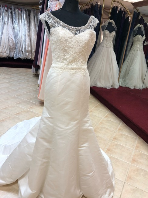 Item - Ivory Satin Lace Gown Fit and Flare Destination Wedding Dress Size 6 (S)
