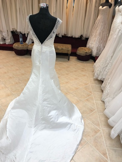 Anjolique Ivory Satin Lace Gown Fit and Flare Destination Wedding Dress Size 6 (S) Image 3