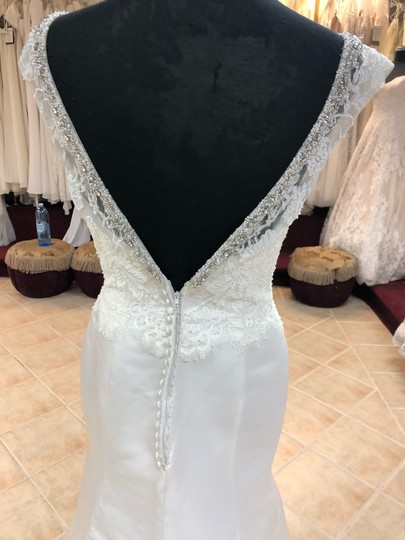 Anjolique Ivory Satin Lace Gown Fit and Flare Destination Wedding Dress Size 6 (S) Image 4