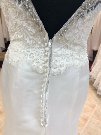 Anjolique Ivory Satin Lace Gown Fit and Flare Destination Wedding Dress Size 6 (S) Image 5