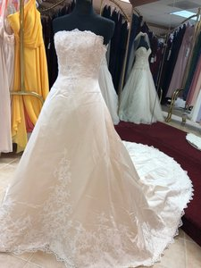 Anjolique Champagne. Ivory. Satin. Lace. A-line Gown Formal Wedding Dress Size 6 (S)