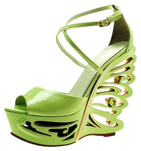 7c5347f118d19 Le Silla Patent Leather Wedge Green Sandals