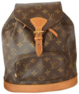 530accb57e78e Louis Vuitton Bags on Sale - Up to 70% off at Tradesy