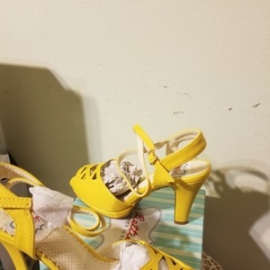 Bettie Page Yellow Sandals