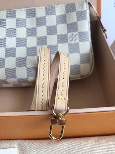 Louis Vuitton Shoulder Bag Image 9