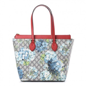 Gucci Blooms Leather Canvas Tote in Blue