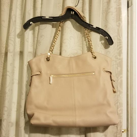 Preload https://item1.tradesy.com/images/tory-burch-with-metallic-chain-light-pink-leather-tote-25774710-0-0.jpg?width=440&height=440