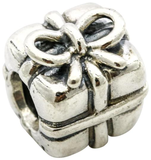 Preload https://img-static.tradesy.com/item/25774818/pandora-silver-sterling-retired-gift-charm-0-2-540-540.jpg