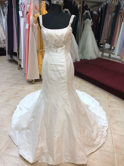 Preload https://img-static.tradesy.com/item/25774869/anjolique-ivory-taffeta-beading-silky-fit-and-flare-destination-wedding-dress-size-6-s-0-0-540-540.jpg