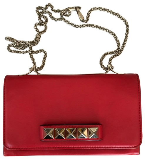 Preload https://img-static.tradesy.com/item/25775224/valentino-vavavoom-red-calfskin-leather-cross-body-bag-0-1-540-540.jpg