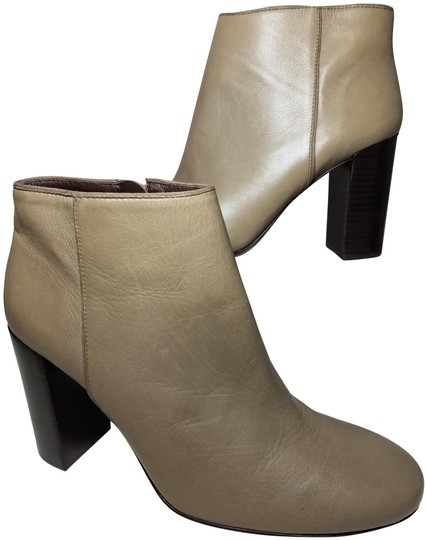 Preload https://img-static.tradesy.com/item/25775360/tory-burch-taupe-ankle-women-s-taupe-gray-leather-high-heel-bootsbooties-size-us-95-regular-m-b-0-1-540-540.jpg